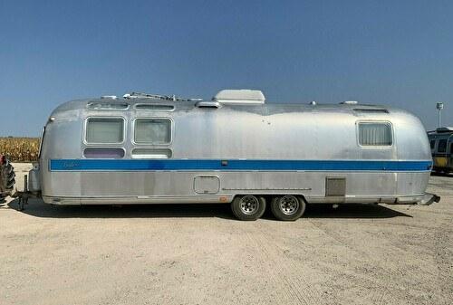 Airstream Exella 500 caravan 9m B&B / Tiny House / Gite / Kantoor