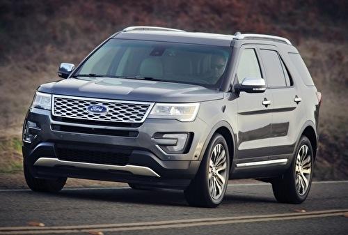 Ford Explorer Platinum AWD