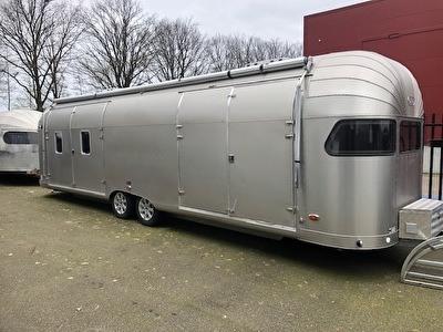 Aluminium Caravan 8,60 m stijl 50-er jaren nieuw