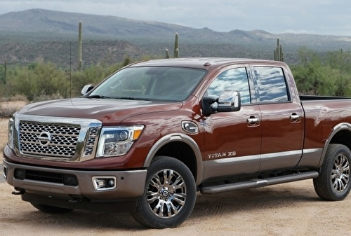 Nissan Titan XD Crew Cab pick up 4x4 Cummings diesel